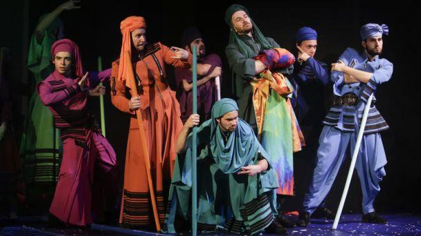 Jozef a jeho zázračný farebný plášť