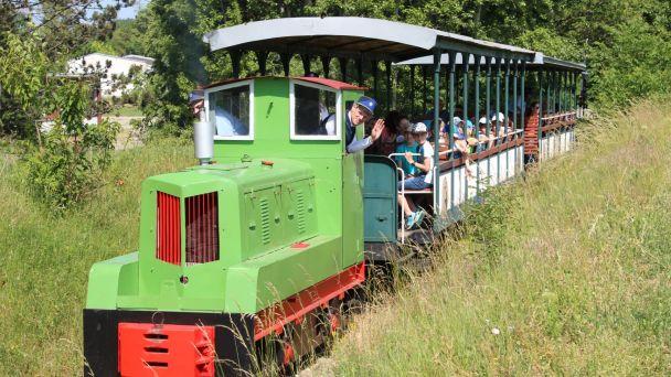 Pravidelné jazdy vlakom Nitrianskej poľnej železnice