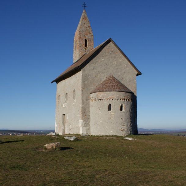 Kostol sv. Michala v Dražovciach a Zoborský kláštor