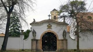 Návšteva bývalého kamaldulského kláštora Oroszlány - Majk